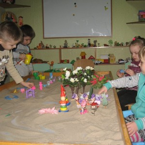 арт студія, пісочна терапія дитячий психолог